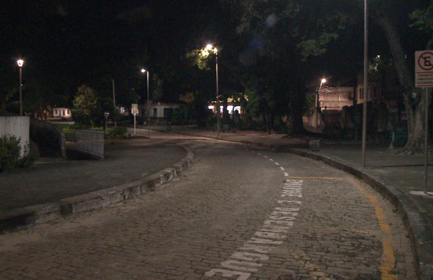 Moradores e comerciantes reclamam de insegurança no Parque das Crianças, em Fortaleza