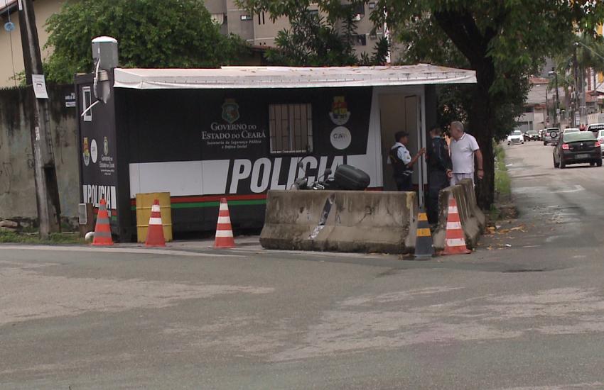 Posto da PM vai ser realocado mesmo após moradora subir em caminhão como protesto