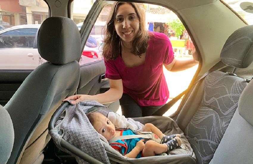 Ortopedista pediatra alerta para uso correto de cadeirinha e bebê-conforto para crianças