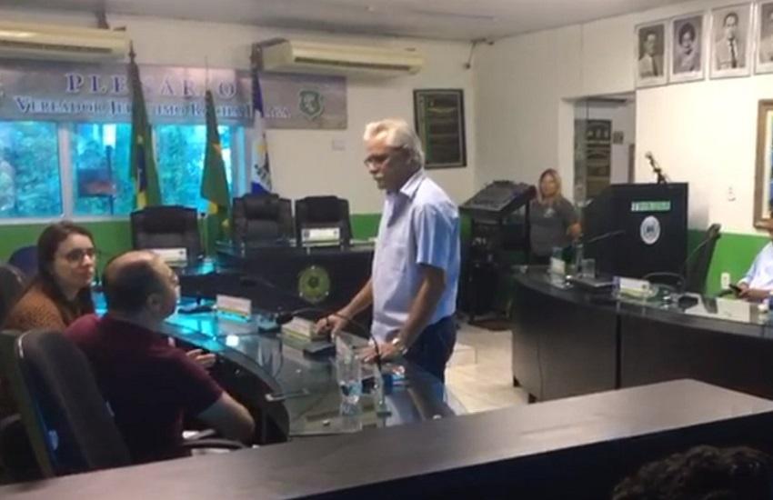 Câmara de Uruburetama aprova cassação do prefeito afastado suspeito de abuso sexual