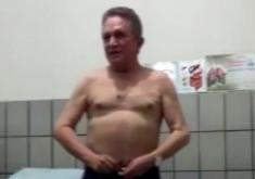 Médico é acusado de abusar sexualmente de mulheres durante consultas (FOTO: Reprodução)