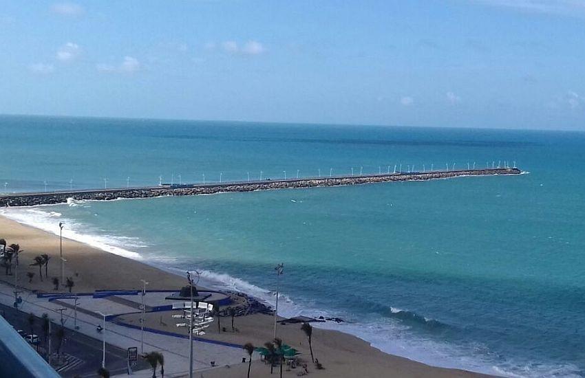 Jovem de 18 anos morre afogado na Praia de Iracema