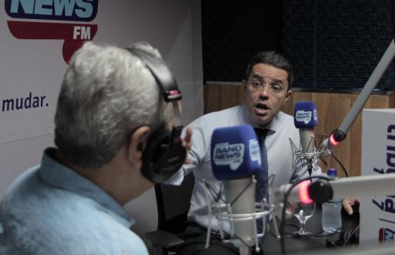O defensor público Emerson Castelo Branco foi um dos entrevistados desta sexta-feira (2) no jornal Primeira Edição, da Tribuna Band News FM