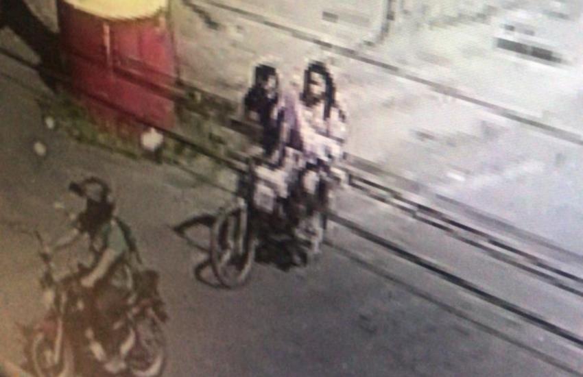 Segundo investigação, casal ainda banhou a criança, enrolou em um lençol e levou de bicicleta até um matagal (FOTO: Divulgação)