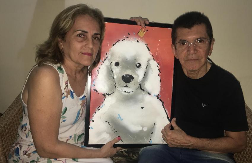 Noivos substituem presentes de casamento por doação de ração para animais carentes
