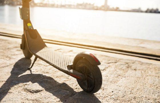 Os patinetes elétricos devem ser implementados ao transporte público de Fortaleza ainda este ano (FOTO: Freepik)