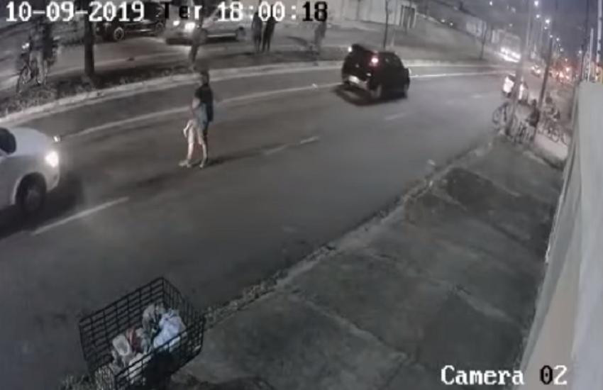 """""""Foi tirado um pedaço meu"""", diz avó de criança que morreu após ser arrastada por carro em Fortaleza"""