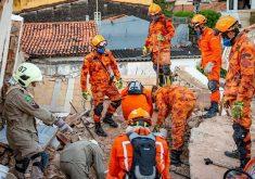 Operação iniciou na terça-feira, logo após o desabamento do Edifício Andréa (FOTO: Ronaldo Gusmão e Gilseppe Moura/CBMCE)