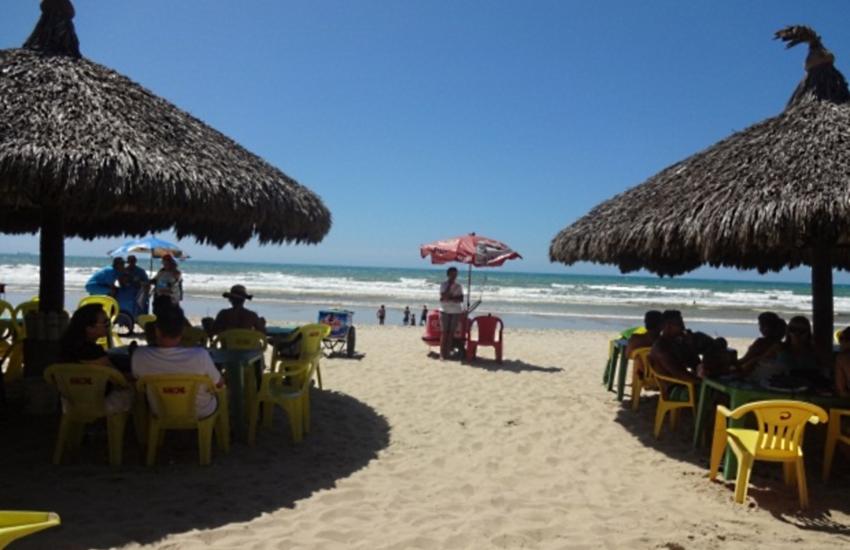 Praia do Futuro está totalmente imprópria para banho, alerta Semace