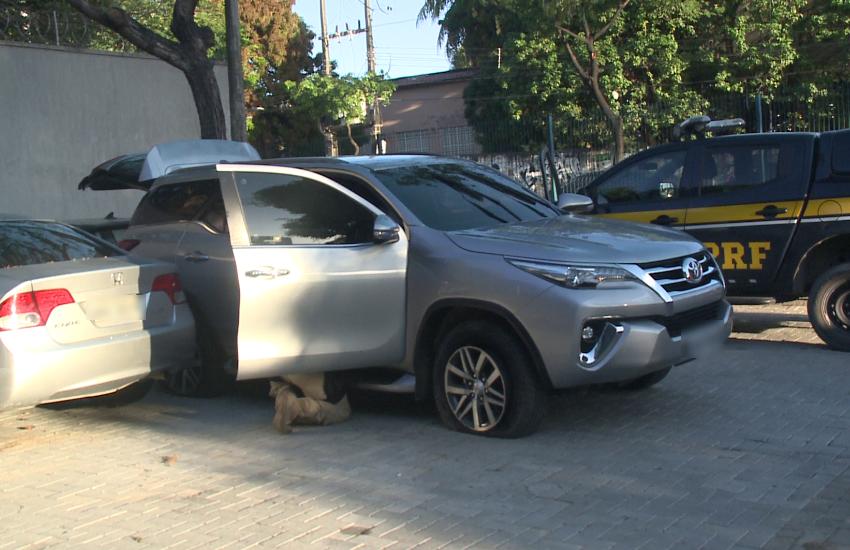 Trio é preso com carro de luxo clonado na Aerolândia; dono recebia e arcava com multas