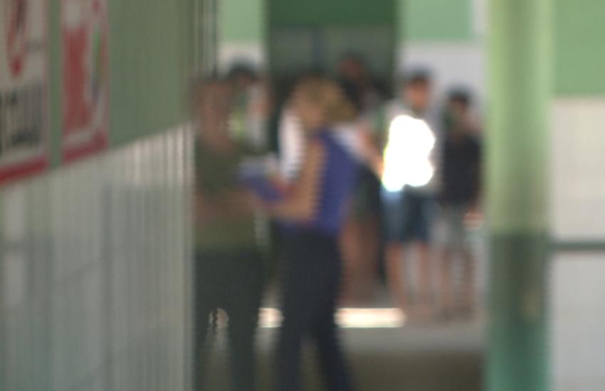 Professor é afastado após crianças relatarem assédios em escola de Itaitinga
