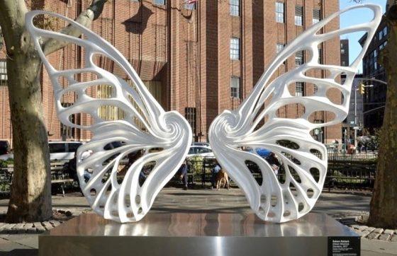 """""""Dandara"""" é uma das esculturas que faz parte de uma série chamada de """"Máquina de Sonhos"""" (FOTO: Reprodução/Instagram)"""