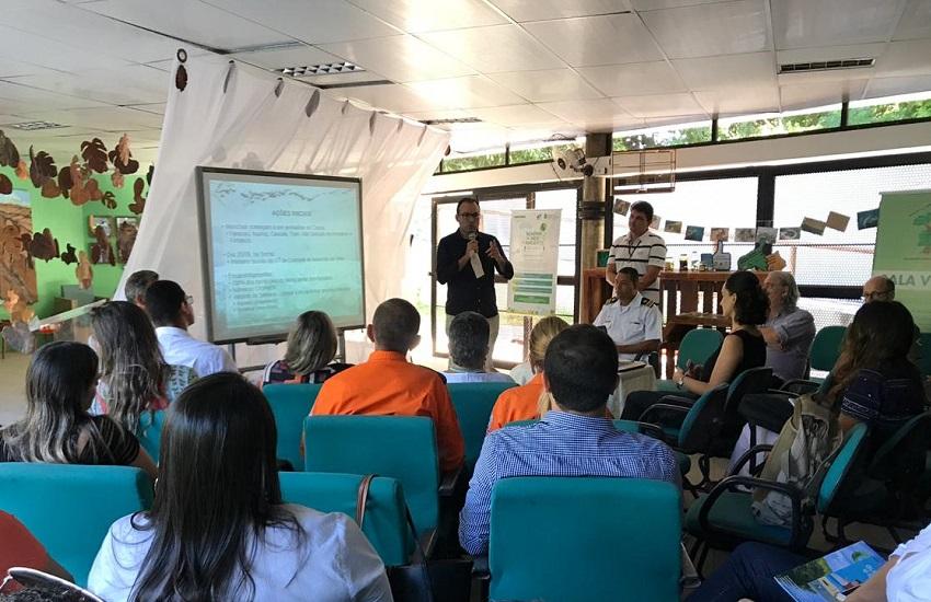 Secretários se reúnem para discutir prevenção a derramamento de óleo em praias do Ceará