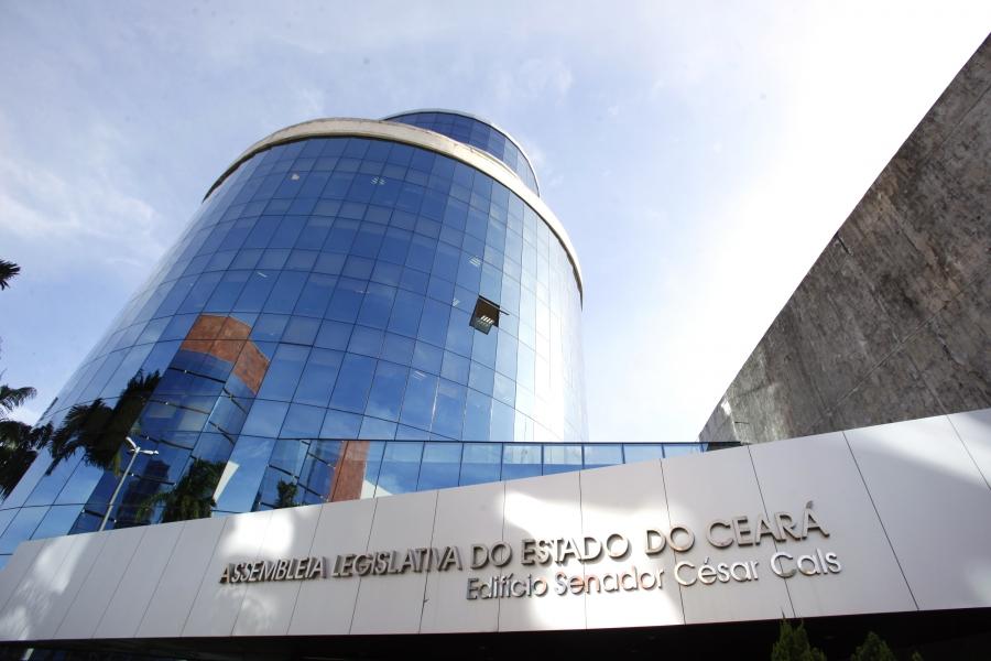Deputados estaduais aprovam perdão de multas e taxas do Detran no Ceará