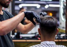 Os atendimentos em barbearias e salões devem aumentar na véspera do ano novo (FOTO: Reprodução/Freepik)