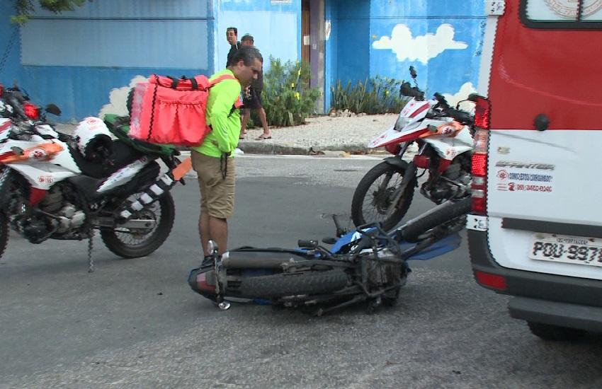 Motorista avança preferencial e atropela entregador de app no Bairro de Fátima