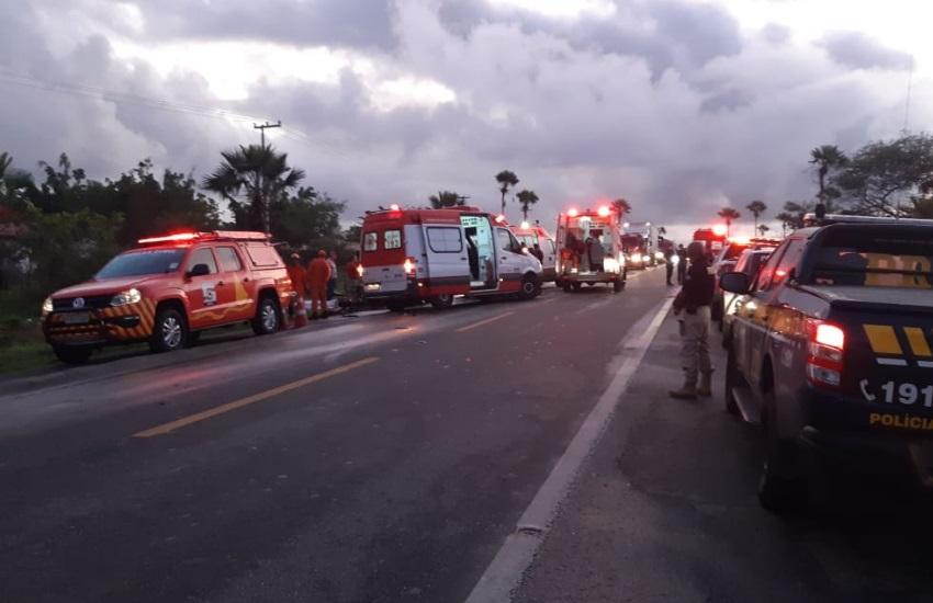 Homem esfaqueia sogra, faz esposa de refém e morre ao causar colisão na BR-222