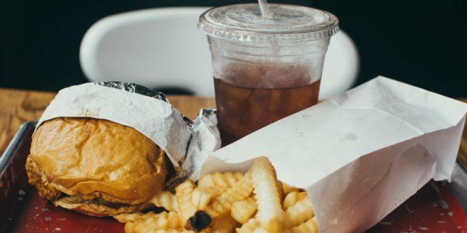 Obesidade atinge 1 em cada 5 brasileiros. Veja alimentos que ajudam no emagrecimento