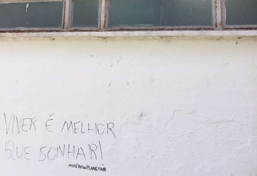 """Flávia Castelo: """"Viver é melhor que sonhar?"""""""