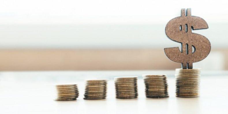 banca-e-economia-de-dinheiro-copyspace-conceito-de-ideia-de-fundo_1421-80