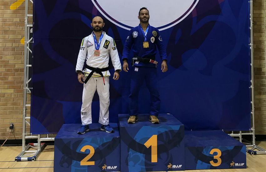 Atleta cearense de jiu-jitsu se destaca em competições no Canadá