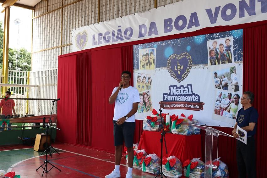 Atleta do Basquete Cearense participa de ato solidário de Natal