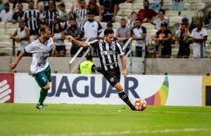 Leandro Carvalho marcou dois gols na partida (FOTO: Stephan Eilert/cearasc.com)