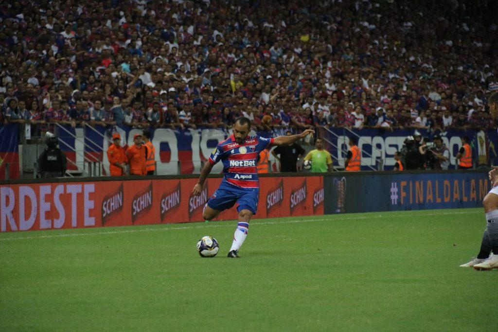 Edinho deve iniciar a partida diante do Vasco. (Foto: Leonardo Moreira / Fortaleza EC)