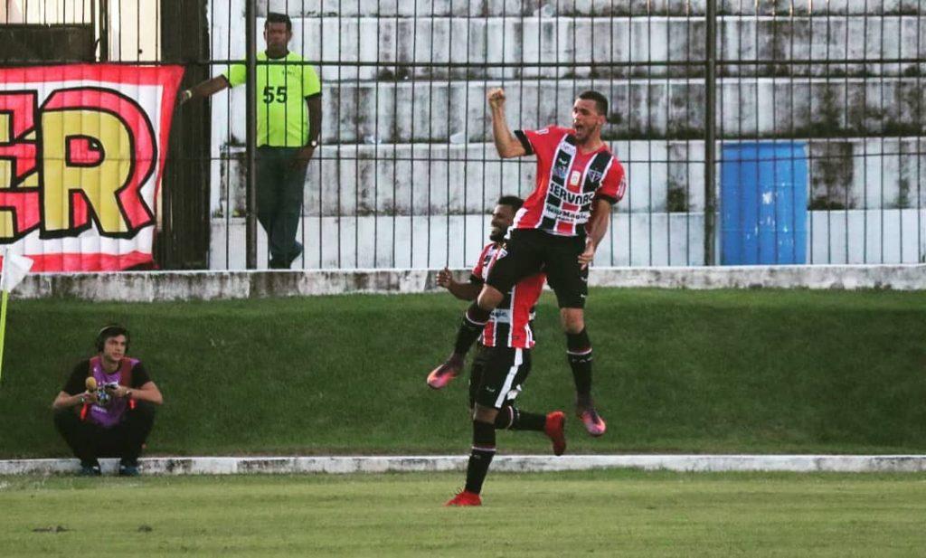 Edson Cariús é o artilheiro da Série C, com 6 gols (Foto: Andrei Torres)