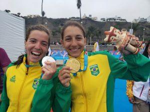 As brasileiras Vittoria Lopes e Luisa Baptista conquistaram as primeiras medalhas para o Brasil no Pan. (FOTO: Divulgação/COB)