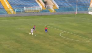 Paulo Vyctor marcou um golaço de cobertura. (Foto: Reprodução/FCF TV)
