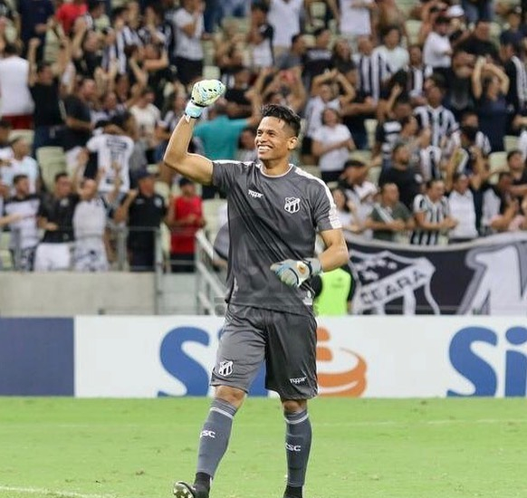 Diogo Silva é o goleiro com mais defesas na Série A