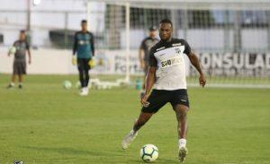Luiz Otávio é o pilar do sistema defensivo alvinegro. (Foto: Mauro Jefferson/cearasc.com)