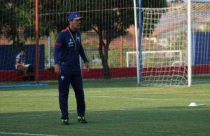 Zé Ricardo optou por mudar o esquema tático do time. (Foto: Allana Alves/FortalezaEC)