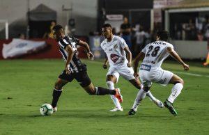 Ceará não resiste à pressão e sofre virada do Santos na Vila Belmiro. (Foto: Felipe Santos/cearasc.com)