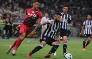 O Ceará deixou escapar a vitória no último minuto de jogo. (FOTO: Xandy Rodrigues)