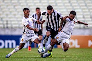 Leandro Carvalho foi eleito o craque do jogo. (FOTO: Stephan Eilert/cearasc.com)