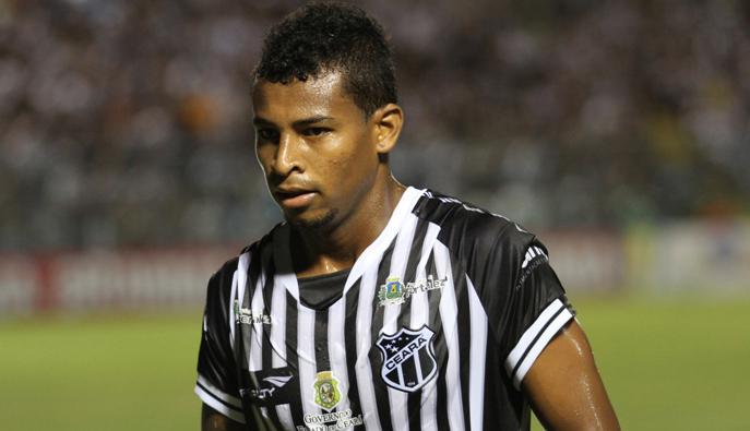 Meia Bruninho estreou com a camisa do Ceará contra o Barueri