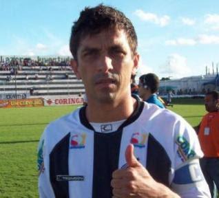 Atacante Luís Mário tem títulos por Corinthians, Grêmio, Coritiba, entre outros