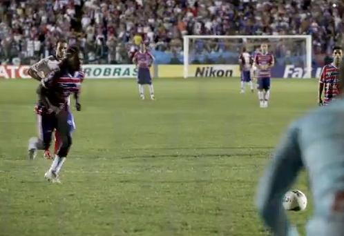 Meia Geraldo marcou dois gols de pênalti no empate de 3 a 3 com o Luverdense