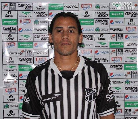 Vicente pode voltar ao time do Ceará