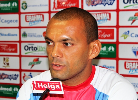 Esley deve desfalcar o Fortaleza nas três primeiras partidas do Nordestão 2013