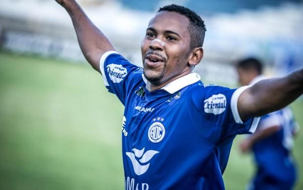 Autor de três gols no Nordestão, Da Silva não enfrenta o Fortaleza Foto: Divulgação/ Confiança
