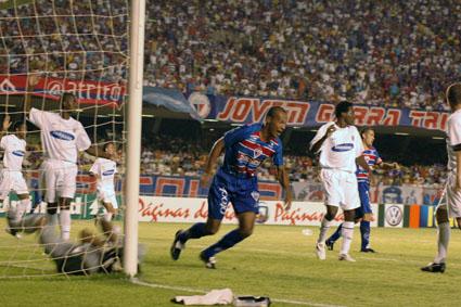 O Fortaleza venceu o Corinthians por 2 a 1 no Brasileiro de 2005