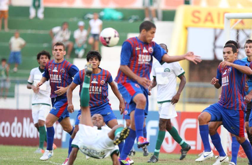Tiradentes estreou com vitória na Série D