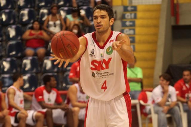 André Góes foi o cestinha diante do Limeira (FOTO: LC Moreira/Divulgação)