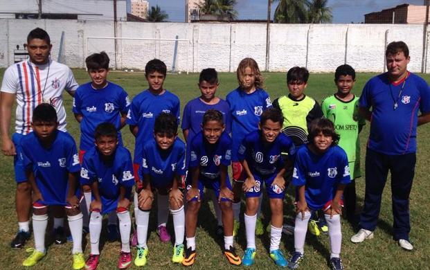A equipe Sub-12 do Estação, campeã da Copa Danone