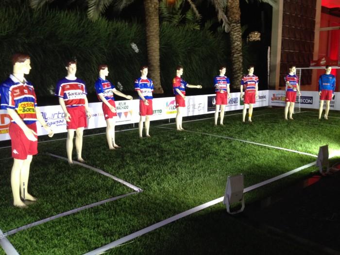 Um campo com modelos antigos foi montado logo na área de entrada do evento (FOTO: Lucas Catrib)