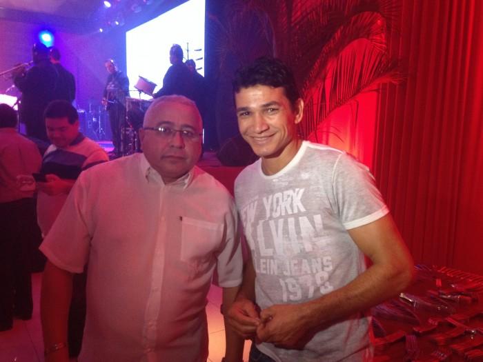Ronaldo Angelim foi um dos ex-jogadores que foram homenageados (FOTO: Lucas Catrib)