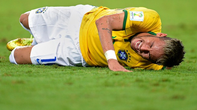 Após lesão de Neymar diversas especulação foram feita sobre seu estado (FOTO: Getty Images)